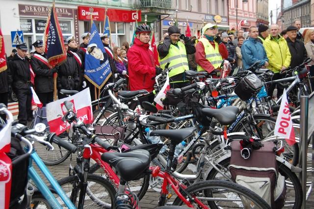 Cykliści rozpoczną rajd na rynku w Nakle