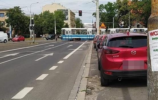 wykolejenie tramwaju na placu Wróblewskiego
