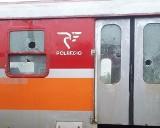 Brzeg. Wandale zniszczyli dwa pociągi opolskiego PolRegio. Powybijali okna i uszkodzili tablice świetlne [ZDJĘCIA]