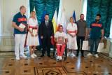 Władze Białegostoku pożegnały białostockich olimpijczyków życząc im olimpijskiego podium
