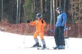 Niezbędnik narciarza. Co wziąć ze sobą na stok narciarski? [PORADNIK]