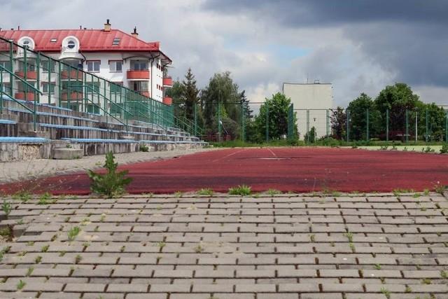 Ponad 800 tys. zł będzie kosztować budowa  boiska wielofunkcyjnego przy szkole podstawowej przy ul. Nałkowskich (nr 30)