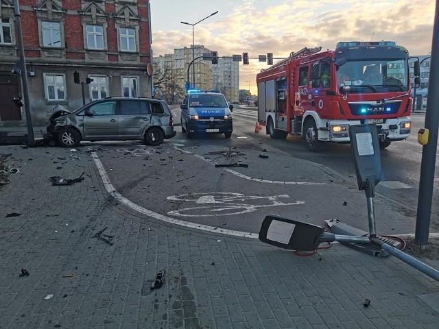 Do wypadku doszło na skrzyżowaniu ulic Ugory i Solskiego na Szwederowie. Zderzyły się tam dwa samochody osobowe. Więcej informacji i zdjęć >>>