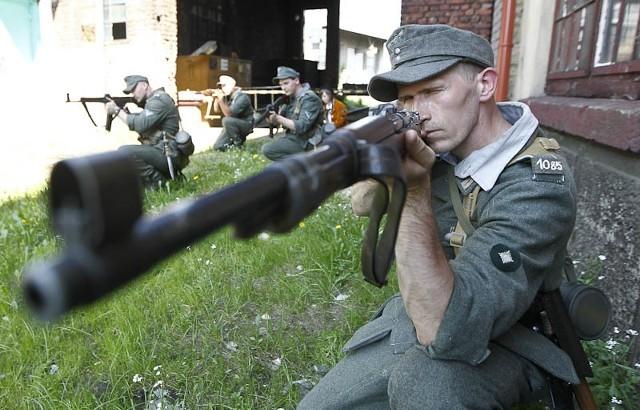 V Dni Historyka Wojskowości w RzeszowieV Dni Historyka Wojskowości w Rzeszowie to pokazy walk i uzbrojenia od starożytności do dziś.