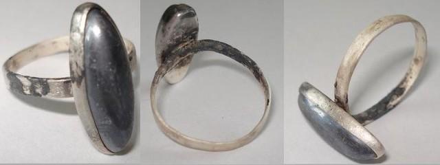 Ten właśnie pierścionek odnaleziono przy zwłokach kobiety w Obrowie