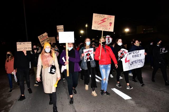 Czarny spacer ulicami Barcina - fotorelacja.