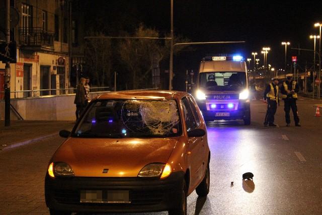 Wypadek na Pabianickiej przy Rudzkiej. Potrącony młody mężczyzna