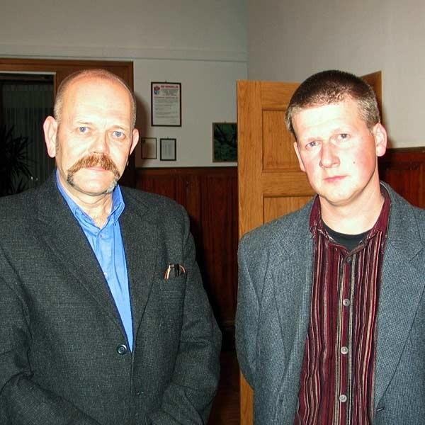 Kupcy Władysław Chabior (z lewej) i Mieczysław Gliściak będą spokojni o przyszłość giełdy dopiero wtedy, gdy miasto wpłaci pierwsza ratę.