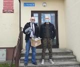 Wójt gminy Unisław jest zakażony koronawirusem. Jak się czuje? Będzie pracował?
