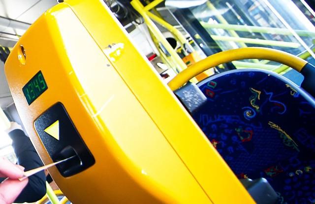 Do obsługi tych tras wykonawca musi łącznie dysponować 45 pojazdami.