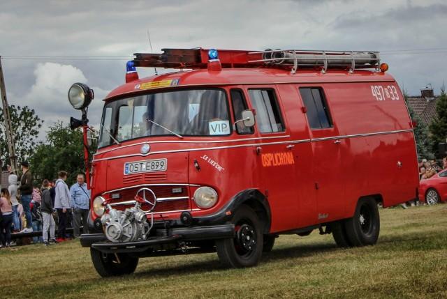 Aż 156 wozów strażackich przyjechało do Główczyc koło Dobrodzienia na Fire Truck Show, czyli na Zlot Pojazdów Pożarniczych.Organizatorzy wręczyli nagrody najpiękniejszym, najstarszemu i pierwszemu zgłoszonemu wozowi.Najstarszy wóz zlotu:Mercedes LF408 z 1966 roku - OSP Lichynia