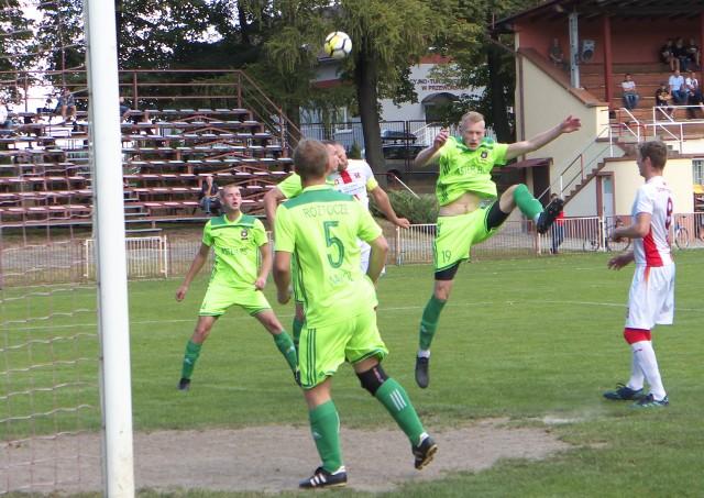Roztocze Narol (zielone strony) nie zagra w rundzie wiosennej na ligowych boiskach.