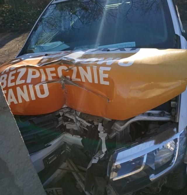 Wypadek taksówki w Szczodrem 14.03.2021
