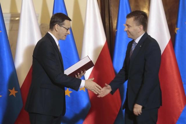 Prywatne ambicje poszczególnych osób nie mogą wygrywać z bezpieczeństwem Polski - mówi Łukasz Schreiber z PiS. Zbigniew Ziobro poza rządem?