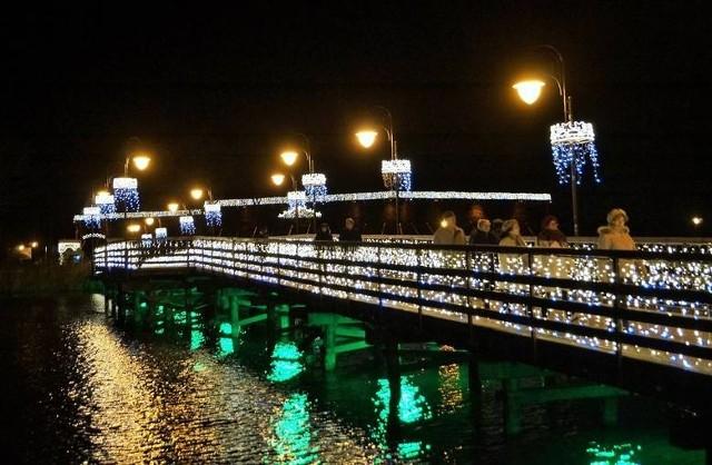 - Nasze miasto jest pięknie oświetlone i każdy, kto miał okazję spacerować wieczorem ulicami, może to potwierdzić - wyznaje Ryszard Brejza, prezydent Inowrocławia