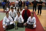 Tercet krakowskich karateków na podium młodzieżowych MP
