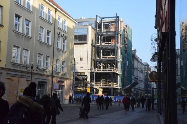 Rozbudowa i przebudowa na rogu Szewskiej i Oławskiej jest zgodna z planem zagospodarowania przestrzennego