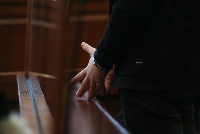 Zdjęcie z akcji zatrzymania 29-letniego mężczyzny podejrzanego o gwałt na Jagodnie