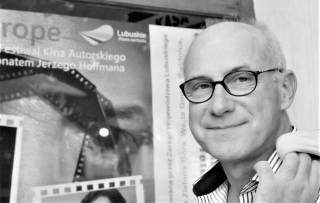 Piotr Machalica - wybitny polski aktor teatralny, filmowy, telewizyjny, wykonawca piosenki aktorskiej - odszedł niespodziewanie w grudniu 2020 roku