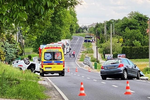 Wypadek w Gieble-Kolonii. Trzy osoby zostały poszkodowane