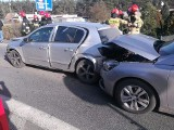 Wypadek w Stryszku pod Bydgoszczą. Zderzyły się trzy samochody. Jedna osoba ranna