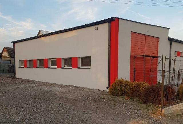 Zakończy się remont elewacji remizy Ochotniczej Straży Pożarnej w Woli Soleckiej Pierwszej pod Lipskiem.