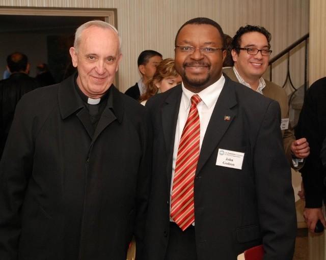 Jorge Bergoglio i John Godson