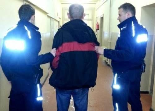 Sprawca włamania w Budzieszowicach  (powiat nyski) w styczniu ubiegłego roku ukradł między innymi cztery butelki denaturatu, sześć butelek piwa, wędliny i słodycze łącznej wartości 300 złotych.