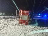 Ślisko i trudne warunki na drogach. Auta lądowały w rowach. Policja apeluje o bezpieczną jazdę (zdjęcia)