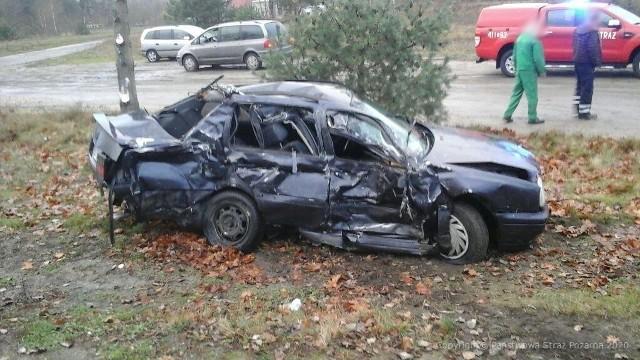 Na drodze krajowej nr 22, niedaleko miejscowości Łąg Kolonia, doszło do czołowego zderzenia samochodu osobowego z ciężarowym. Jedna osoba została ciężko ranna.