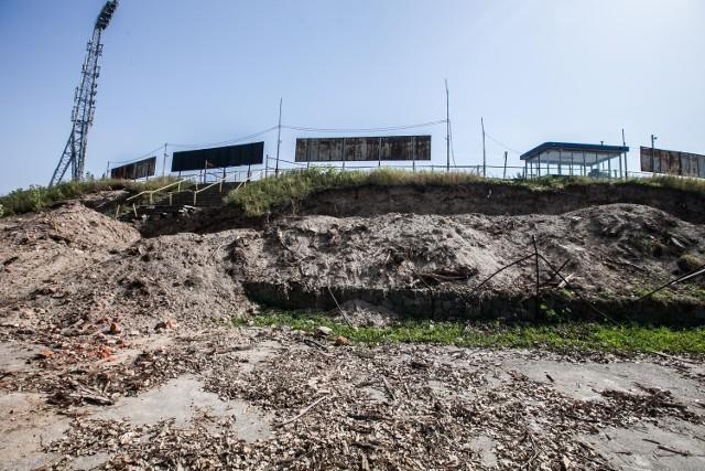 Budowa stadionu miejskiego przy al. Unii nie posuwa się do przodu