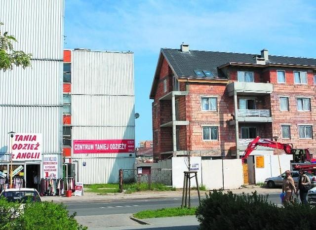 Najemcy ze starych lokali, w powstających budynkach otrzymają nowe bez przetargu.