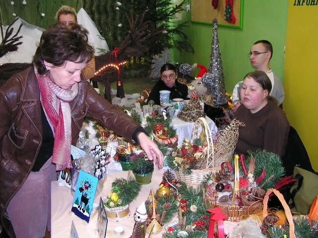 Jak co roku w Ośrodku Szkolno-Wychowawczym w Bytowie odbyl sie kiermasz ozdób i prac świątecznych przygotowanych przez tego typu i podobne placówki z calego Pomorza.