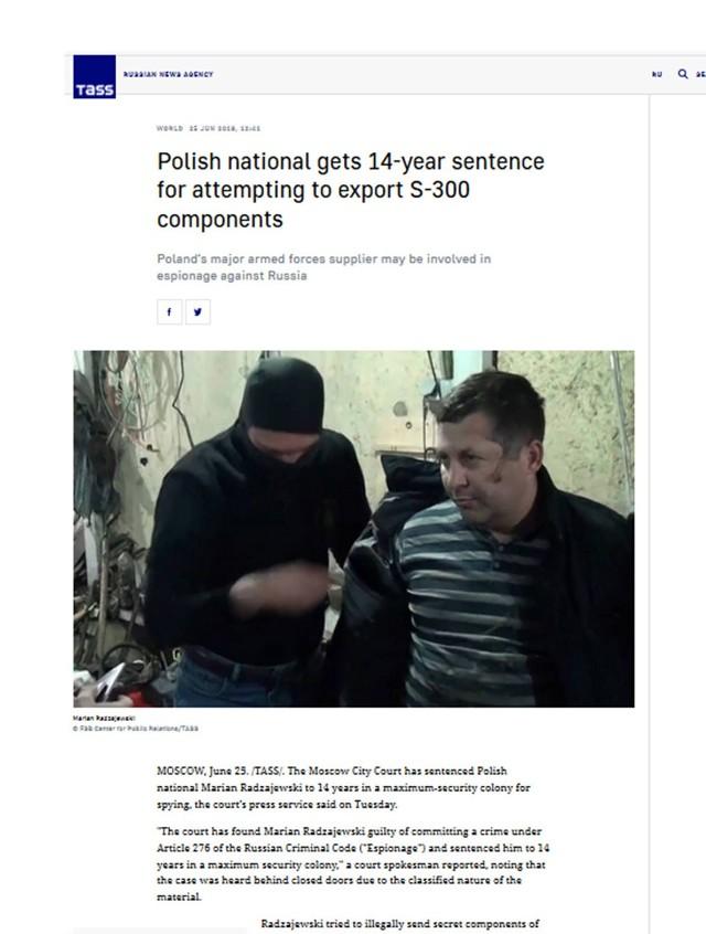 Moment zatrzymania Polaka, Mariana Radzajewskiego w Moskwie, trzy lata temu. Rosjanie skazali go za szpiegostwo. - Wszyscy mówią, że mój mąż został wrobiony, ale nasze państwo nie chce pomóc wydostać go z rosyjskiej kolonii karnej - mówi Magdalena Radzajewska, żona Mariana Radzajewskiego.