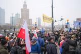 """Strajk Kobiet, rolnicy, przedsiębiorcy. """"PiS do dymisji"""". Kolejna antyrządowa manifestacja na ulicach Warszawy [ZDJĘCIA]"""
