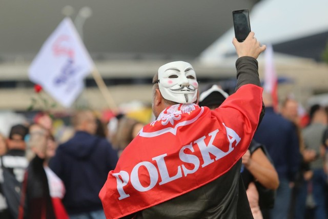 Protest negacjonistów pandemii w Katowicach. 10 października 2020 r.