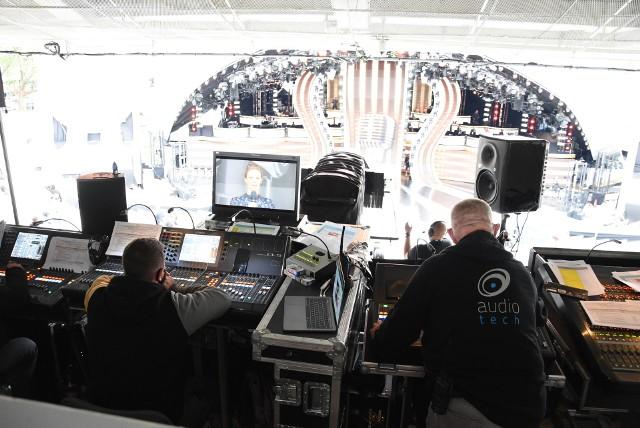 57. Krajowy Festiwal Polskiej Piosenki jest gigantycznym przedsięwzięciem logistycznym. Pracują przy nim setki osób.