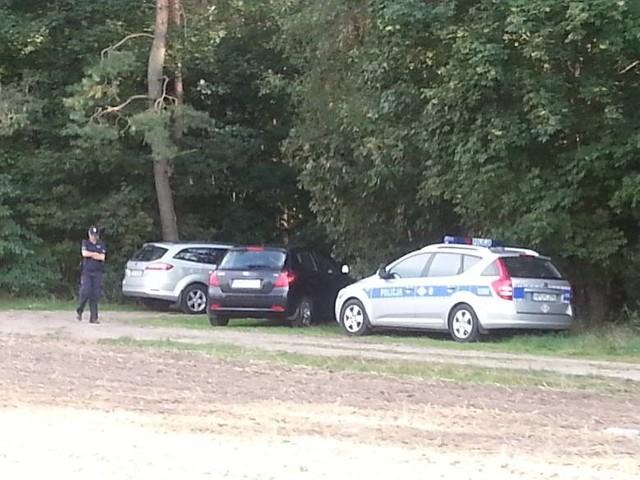 Zwłoki policjanta znaleziono w miejscowości Grońsko pod Nowym Tomyślem.