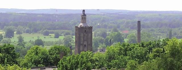 Na razie możemy oglądać farę z góry - ze Wzgórz Gubińskich. Kiedy spojrzymy odwrotnie - na miasto ze szczytu wieży?