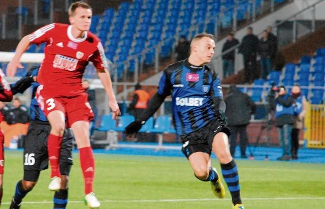 Michał Masłowski (z prawej) jest w świetnej formie. W jednym meczu strzelił cztery bramki