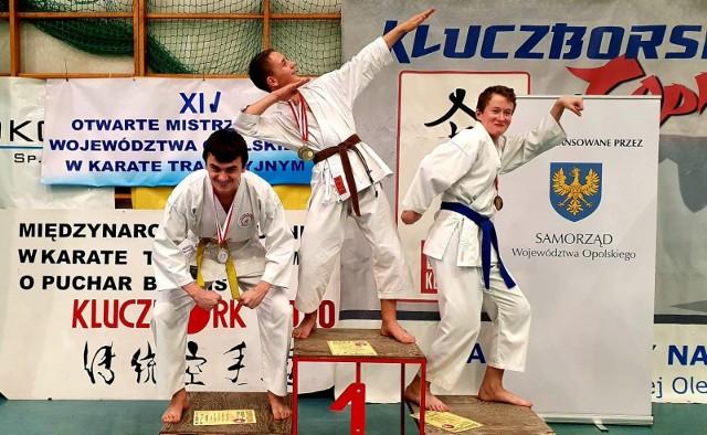 Zawodnicy Klubu Karate NIDAN Zielona Góra zdobyli w Kluczborku 20 medali.