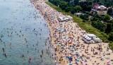 Pomorskie: Kolejny wakacyjny weekend pełen turystów. 8-9.08.2020 r. Zobacz zdjęcia m.in. z Sopotu, Stegny, Pruszcza Gd., Pucka