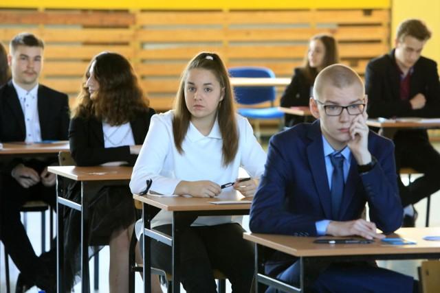 Wyniki egzaminu gimnazjalnego są brane pod uwagę przy rekrutacji do szkół ponadgimnazjalnych.