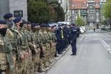 Poznańscy policjanci oddali cześć zastrzelonemu na służbie mł. asp. Michałowi Kędzierskiemu