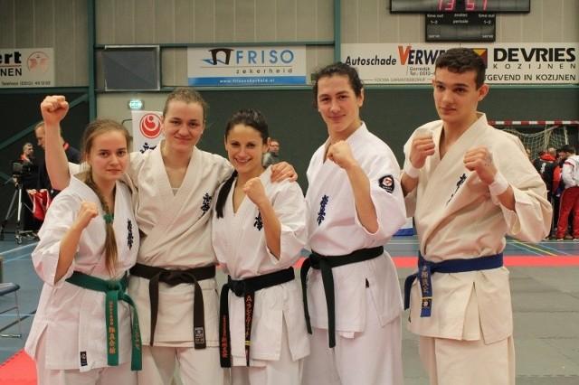 Reprezentanci klubu z Opola na zawodach w Holandii (od lewej): Paulina Żmuda, Anna Kolasińska, Aleksandra Bukowa, Mateusz Golomb i Marcel Niemczyk.