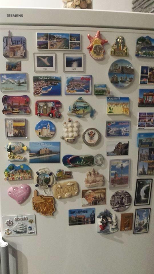 Też zbieracie magnesiki na lodówkę jako pamiątki z podróży? Te drobne upominki nierzadko są małymi dziełami sztuki. Podzielcie się z nami zdjęciami Waszych kolekcji! Na zdjęcia czekamy pod adresem online@pomorska.pl.Zobacz także: Te wspomnienia z wakacji zachwycą każdegoźródło: STORYFUL/x-news