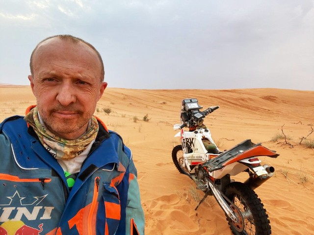 """Jeden Polak nie ukończył etapu w Rajdzie Dakar. """"Motor padł, nie ma prądu"""""""