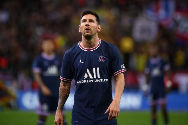 Leo Messi został przywitany gromkimi brawami na wyjazdowym meczu PSG