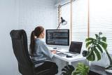 Jak urządzić domowe biuro? Zadbaj o komfort w pracy! Wybieramy krzesła biurowe i biurka do pracy zdalnej