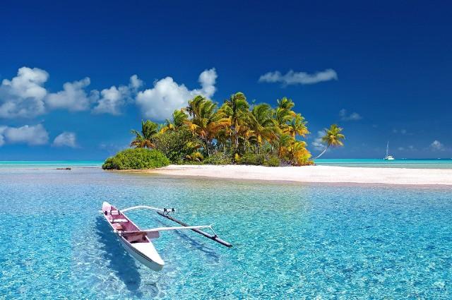 Zakup wyspy może być zarówno inwestycyjny, jak i tylko po to, żeby móc codziennie wychodzić z domu na plażę. ;)